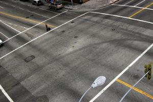 Das Abbiegen findet unter anderem an Kreuzungen statt.