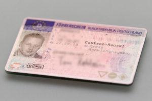Die Auskunft über Punkte in Flensburg kann wichtig für den Führerschein sein.
