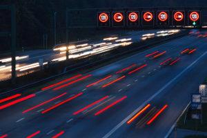 Blitzer an einer Baustelle werden oft auf der Autobahn eingesetzt.