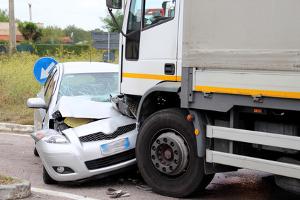 Es existieren Alternativen zu eCall, die bei einem Unfall ebenfalls einen automatischen Notruf absetzen.