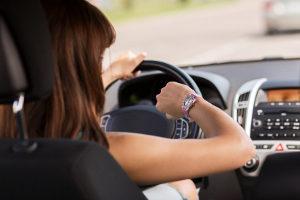 Entfernen vom Unfallort: Vorher müssen Sie eine angemessene Zeit lang warten.