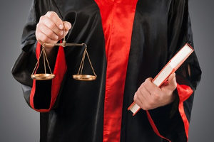 Ein gefälschter Führerschein kann eine mehrjährige Haftstrafe bedeuten.