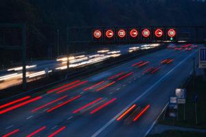 Nach einer Geschwindigkeitsüberschreitung folgt ein Bußgeldbescheid gegen welchen Sie Einspruch einlegen können.