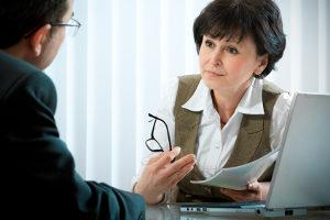 Im Regelfall besteht eine MPU aus Reaktionstest, Untersuchung und persönlichem Gespräch