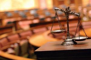 Eine Strafe für unterlassene Hilfeleistung ist wahrscheinlich, wenn nicht geholfen wird.