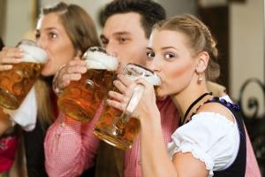 Fahranfänger, die bei einer Trunkenheitsfahrt erwischt werden, müssen mit einer MPU rechnen.