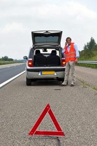 Die Warnwestenpflicht in Deutschland beinhaltet nur das Mitführen einer Warnweste.